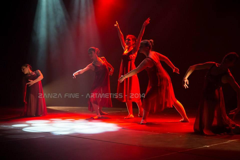 Danse adultes tous niveaux ecole de danse et gym for Danse classique adulte